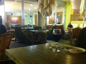 night cafe Akko